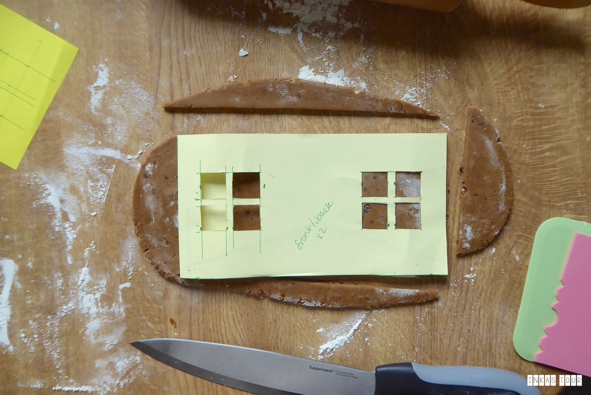Gingerbread-House-Lebkuchen-Haus-Decorate-and-Bake-Recipe-Rezept-Christmas-Advents-Calender-Customs-and-Traditions-Inkas-Tour-Travelblog-Baking-Blog-Food-around-the-World