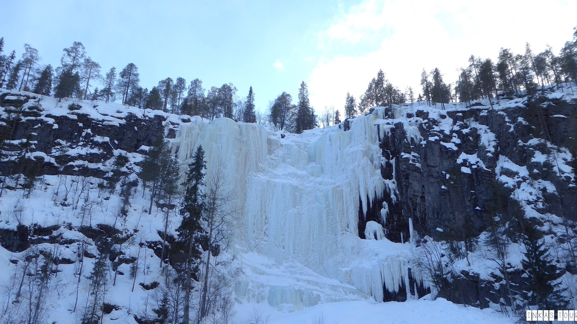 Korouma National Park Frozen Waterfalls Finland Vacation Inkas Tour Photography Salad around the World Travelblog