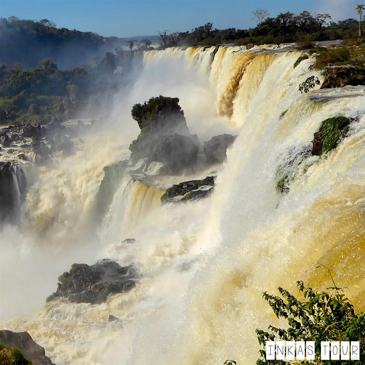 The Iguazu Falls - the how to: guide for a day trip.