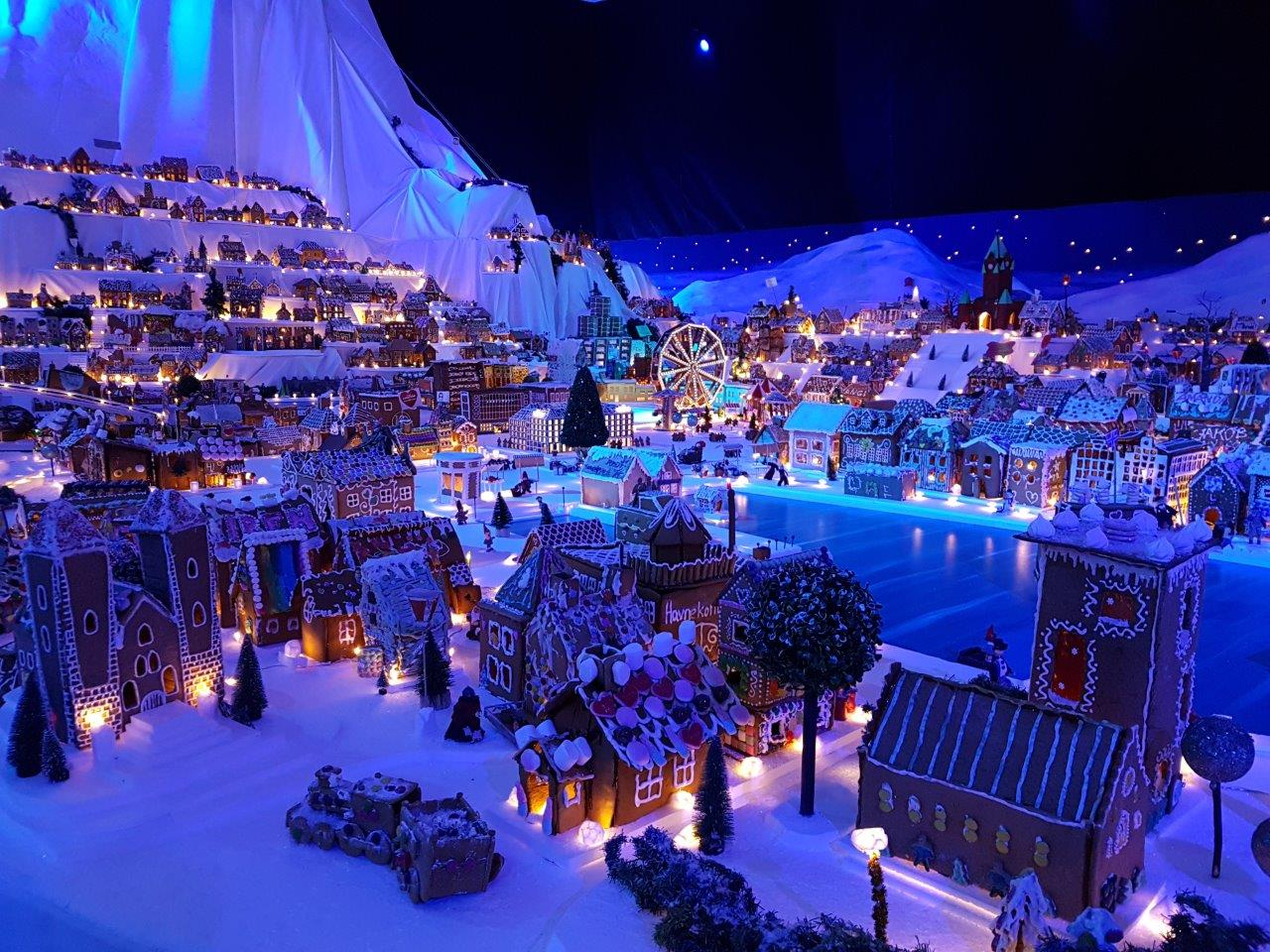 rosenkrantz-tower-and-st-marys-church-the-worlds-largest-gingerbread-town-in-bergen-norway Christmas Advents Calendar Inka Tour Largest Gingerbread Town